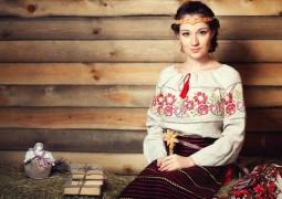 Инструктор славянской гимнастики Ксения Силаева