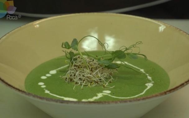 Крем-суп со шпинатом и грецкими орехами
