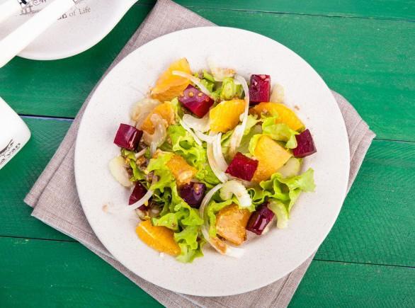 Салат из запеченной свеклы с апельсином