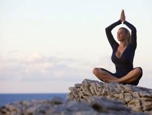 заняться медитацией