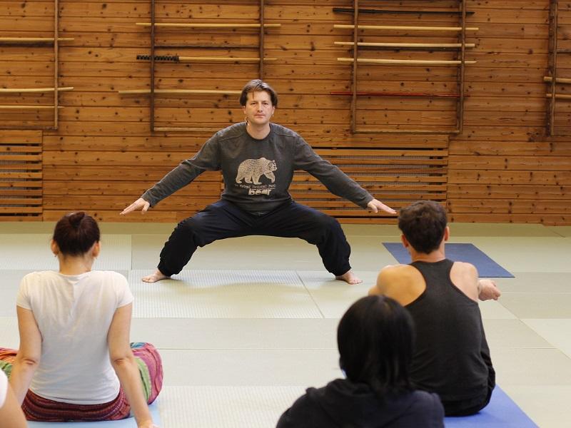 Преподаватель гималайской йоги и цигун Дмитрий Дьяченко