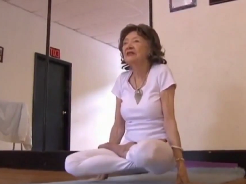 Йога для разного возраста
