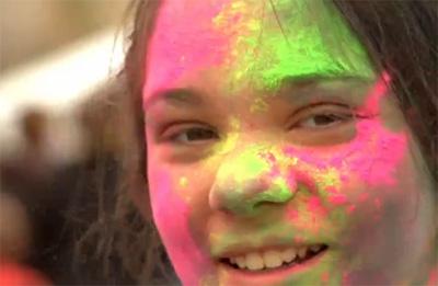 Холи — праздник красок и веселого настроения