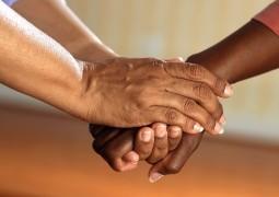 Рука помощи себе и ближнему. 12 простых способов стать добрее