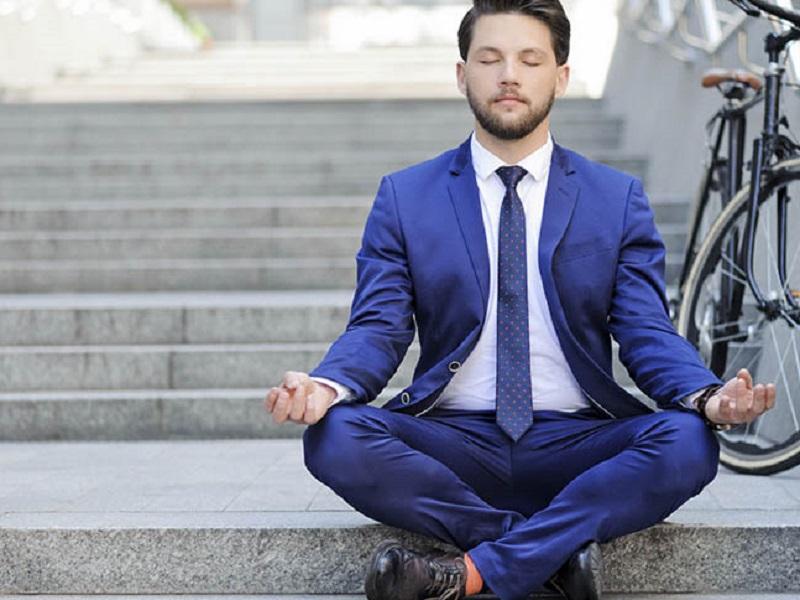 Йога для бизнесменов: как асаны помогают в решении различных проблем
