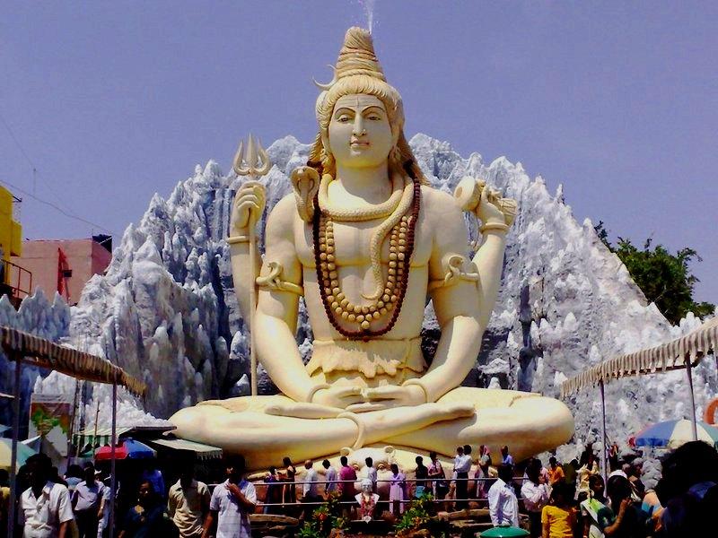 Таинственный и противоречивый Шива — один из основных индийских богов