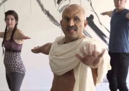 Ганди в современном йога-классе