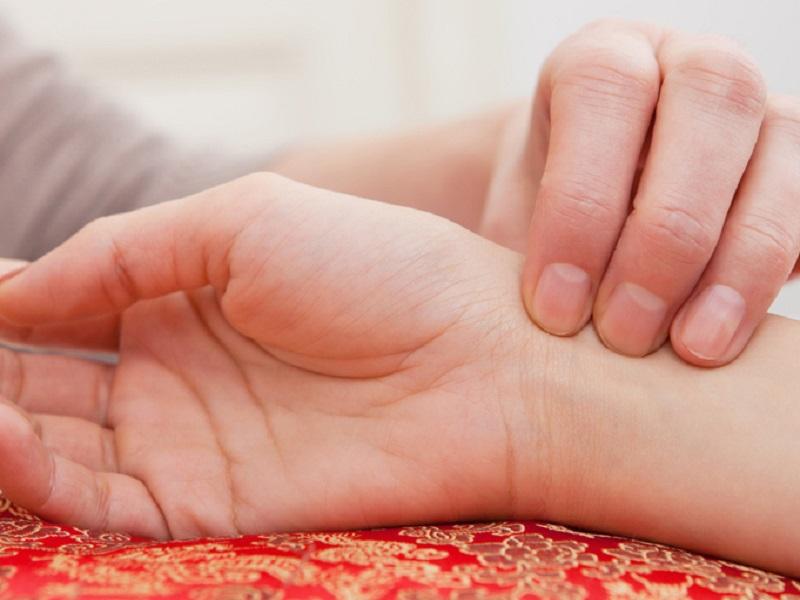 Как научиться диагностировать свое состояние по пульсу