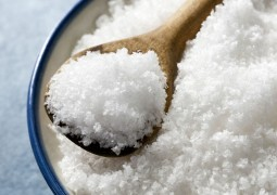 Соль: кому можно, какую и сколько