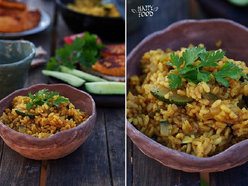 Ароматный рис с карри и кабачком