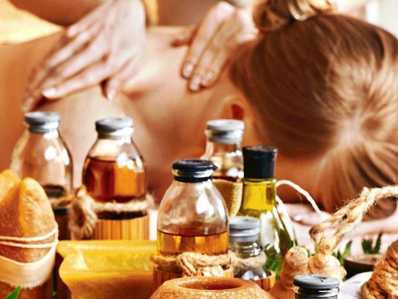 Массажные масла в Аюрведе: применение и рекомендации для разных типов конституции