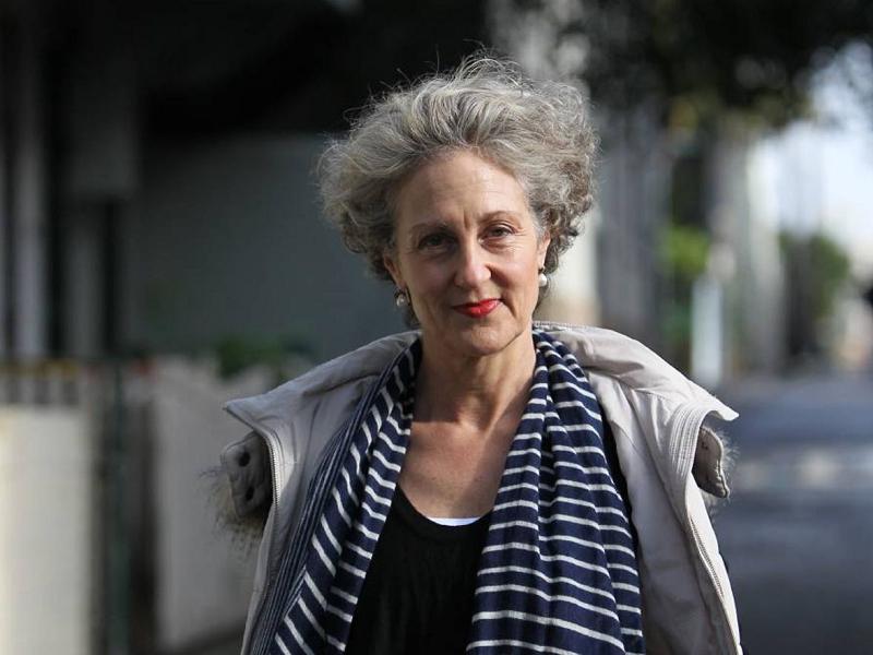 Элизабет Фаррелли: Мы не научили детей быть счастливыми