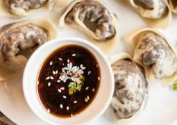 Китайские вегетарианские пельмени