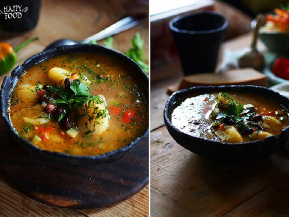 Фасолевый суп с перловкой, томатами и карри