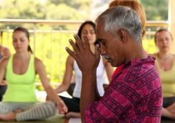 Доктор Мадаван Мунусами: «Йога - это осознавание нашей неосознанности»