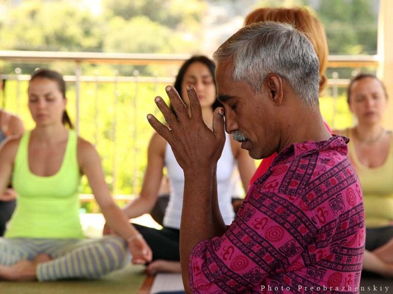Доктор Мадаван Мунусами: «Йога — это осознавание нашей неосознанности»