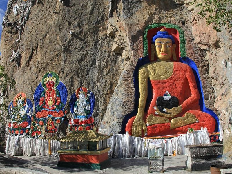 Религиозные аспекты тибетской медицины и тибетской алхимии