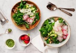 Салат с фенхелем, авокадо и грецким орехом