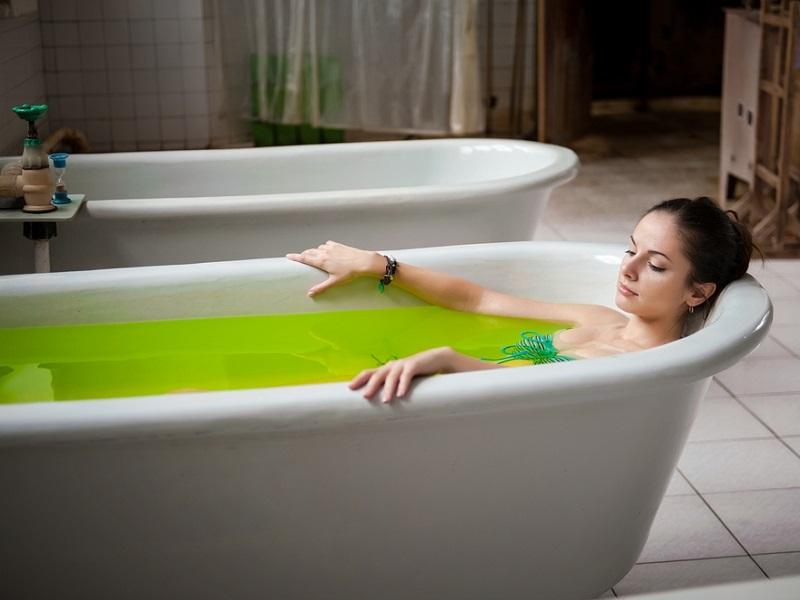 Солевые ванны: как устроить для кожи зимний детокс?
