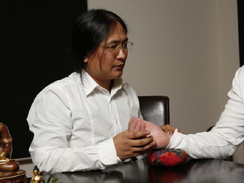 Доктор Нида Ченагцанг: «Тибетская медицина и современный образ жизни»