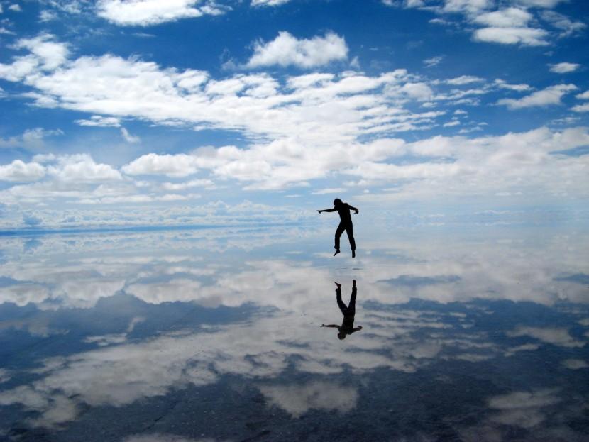 Мир — это зеркало, и оно возвращает каждому лишь его отражение