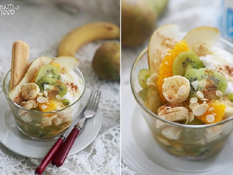 Фруктовый салат с йогуртом и савоярди