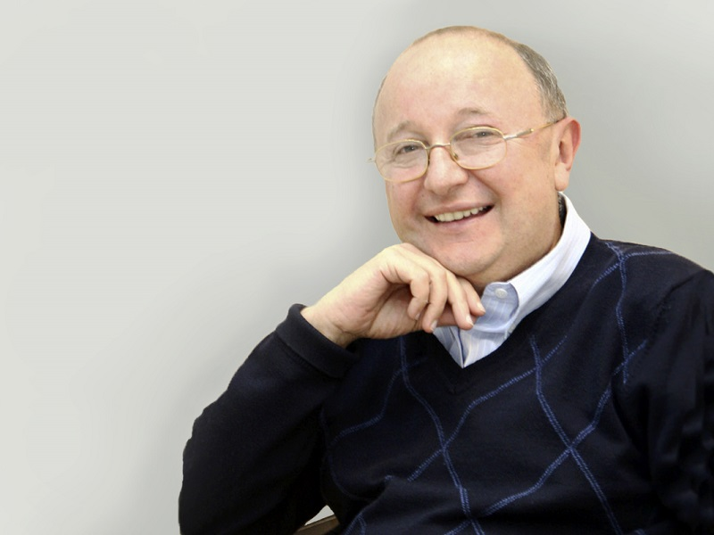 Ведущий хирург Украины Владимир Цепколенко: «Одержимость «уколами красоты» сравнима с наркоманией»