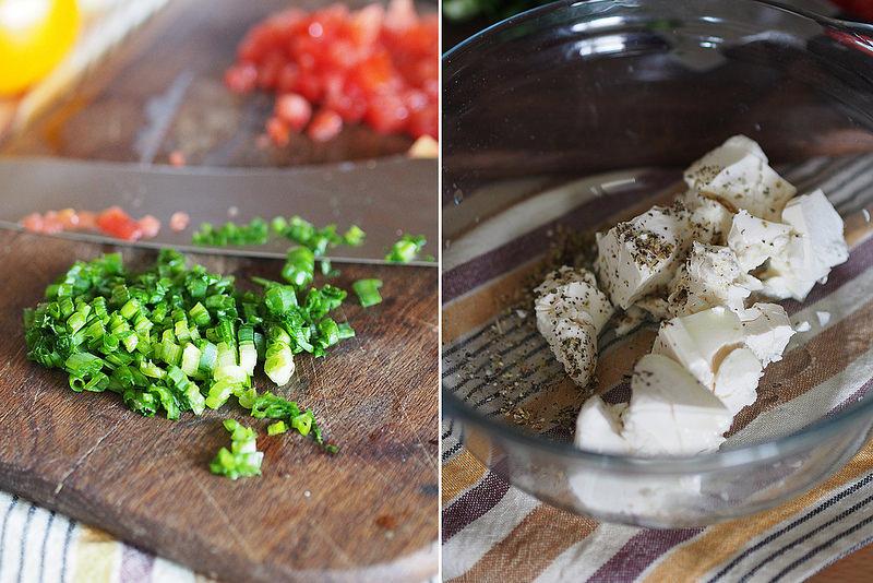 Ruletiki iz kabachkov gril' s syrom i tomatami_4
