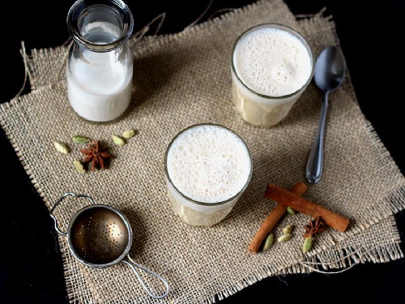 Рецепты Аюрведы: Лучшие специи для молока