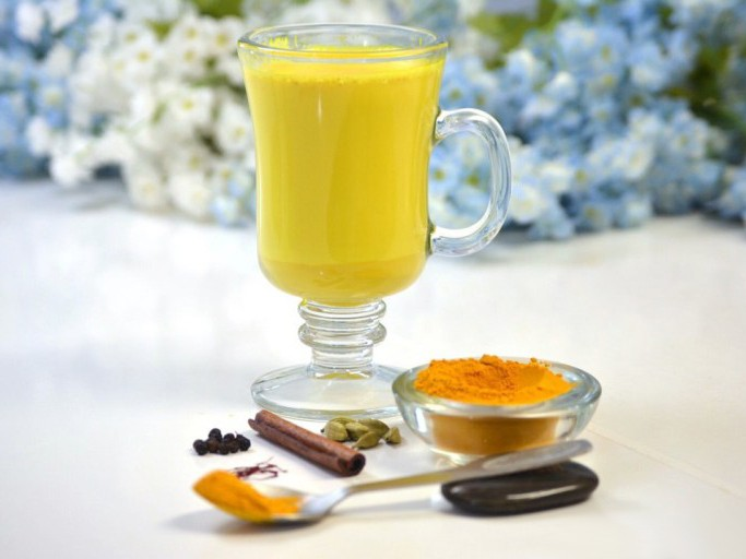 Куркума Латте чудо — напиток для вас и вашей семьи