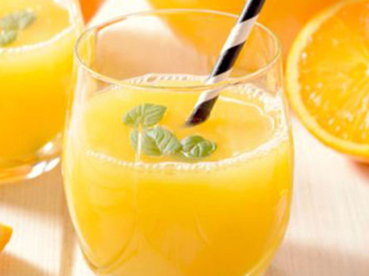 Почему Аюрведа не рекомендует употреблять фруктовые соки во время еды-1