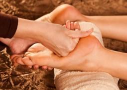 Падабхьянга – массаж стоп очень полезен