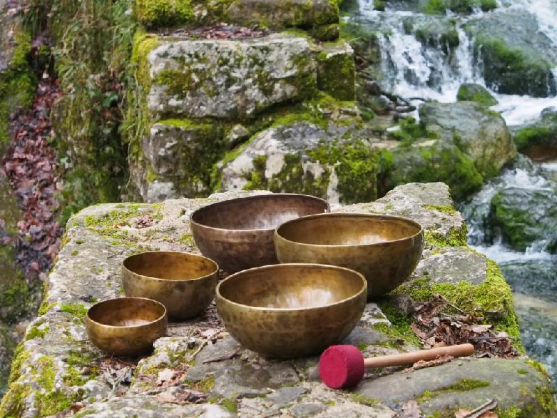 Звук создает и звук согласует – поющие чаши