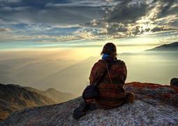 «Незваные гости»: как принятие негативных эмоций помогает поддерживать психическое здоровье